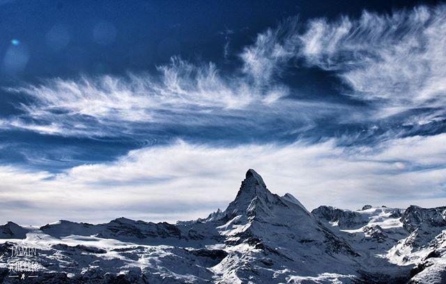 What a view ____________________ #zermatt #matterhorn #mountains #landscape #beautiful #winter #natgeo #winter #hiking #view #explore #superhubs #letsgosomewhere #exklusive_shot #canonswitzerland #roamtheplanet #discoverearth #blickheimat #nature #picoftheday #photography #outdoors #myswitzerland #visitswitzerland #valais #feelthealps #switzerland_bestpix #loveit #bluesky #snow #valais #followme