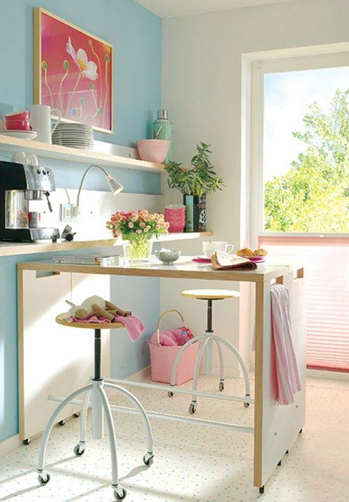 Mesas altas de cocina, alternativa a las mesas plegables en cocinas pequeñas | cocinas con encanto