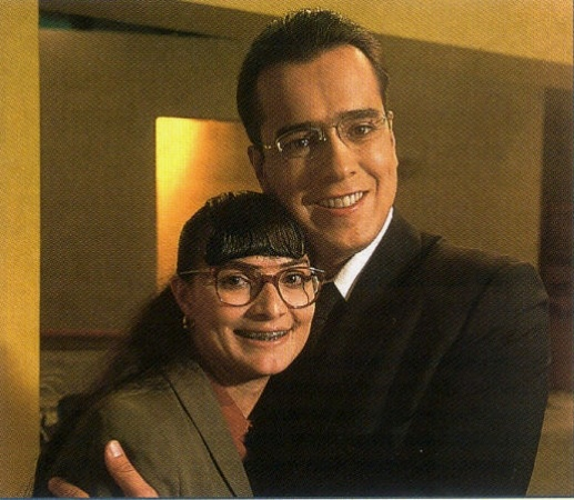 Betty la Fea con Don Armando Mendoza<--- watched this damn novela religiously with mom dukes and aunties. Then we saw Ecomoda!!! No one said a word unless there were commercials!!!