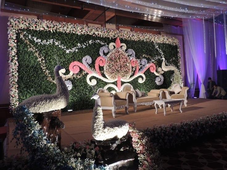 #white #Rain #Peacock #theme #bangladeshi #wedding #decor #stage #southeastasian #floral #nighttime #gardenwedding #ikebanabd #ikebana #ikebanaBangladesh #ikebanaltd #Bangladesh