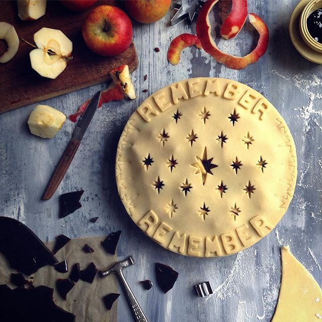 """It's Guy Fawkes Day, so I am all about """"the gunpowder, treason and plot""""! Oh, and this Apple and Molasses/Treacle Toffee and Ginger Pie. What a way to celebrate Bonfire Night! #pie #pieart #piecrust #toffee #treacle #molasses #ginger #pastry #dessert #homebaker #baking #bake #gbbo #fromscratch #marthabakes #feedfeed #foodstyling #foodphoto #yahoofood #gloobyfood #lovebaking #foodwinewomen #bonfirenight #guyfawkes #november5th #eatmorepie #jojoromancer"""