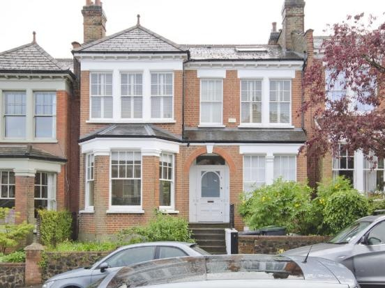Double fronted Edwardian house n10