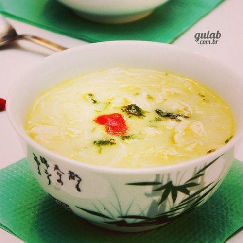 Receita de Caldo Tailandês com macarrão de arroz e frango - Gulab