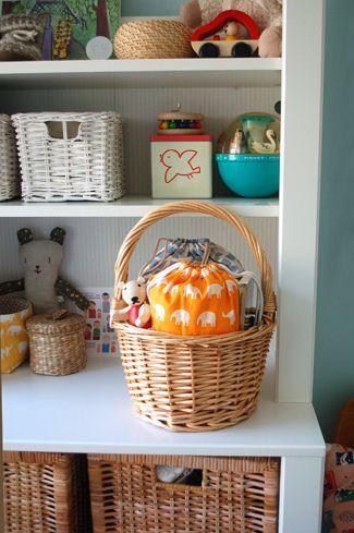 Adorable DIY baby gifts...baby changing kits