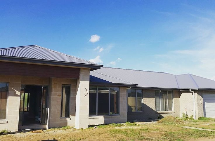 This little beauty on Hopkins Point Road is close to completion! #Allansford #SmallBusiness #ElevateRoofPlumbing #ERP #RoofPlumber #ColorBond #Basalt #RoofPlumbing #Roofing #Warrnambool #Roofporn #SouthWestVictoria by elevateroofplumbing