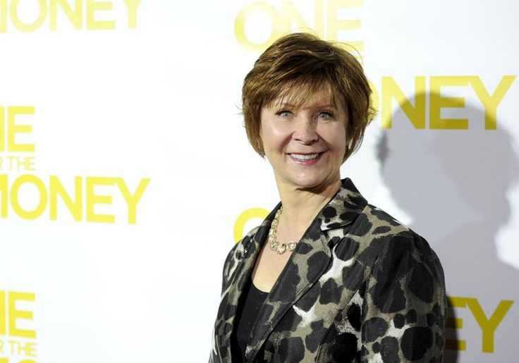 """Janet Evanovich: $24 million """"I motivate myself to write by spending my money before I make it,"""" Evanovich has written. """"My favorite exercise is shopping."""" Thanks to the success of her Stephanie Plum detective novels, she must be getting an awful lot of exercise these days. (AP Photo/Evan Agostini) Source: Forbes The Top-Earning Authors Of 2013"""