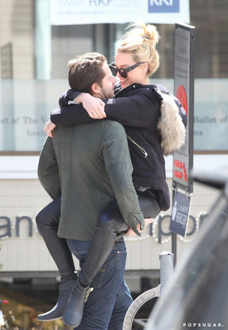 Pin for Later: Margot Robbie's PDA With Her Sexy Boyfriend Is Too Hot For Words