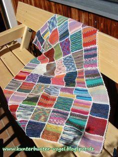 Verwendete Materialien ca. 400 g Sockenwollreste (75 % Schurwolle, 25 % Polyamid) 100 g weiße Sockenwolle (75 % Schurwolle, 25 % Polyami...