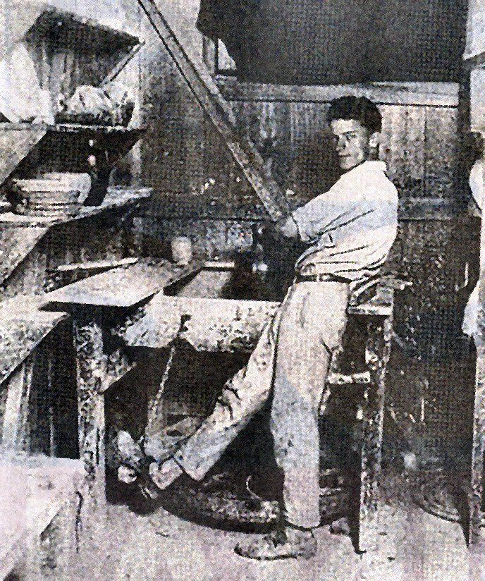 Walter Anderson at his brothers' Peter and Mac, Shearwater Pottery