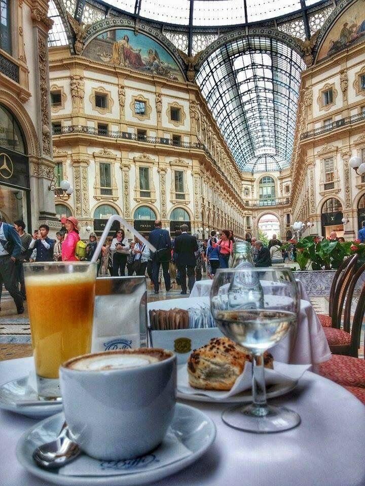 breakfast in Galleria- Galleria Vittorio Emanuele - Milan (Italy)