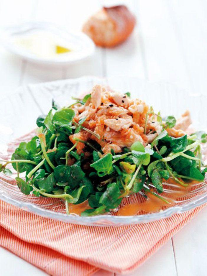 りんご、味噌、はちみつなどで作ったドレッシングで、クレソンなどの苦味のある野菜を食べやすく。 『ELLE gourmet(エル・グルメ)』はおしゃれで簡単なレシピが満載!