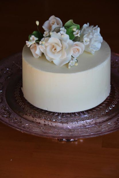 how to make wedding cake icing smooth 34 best images about cake for magnolia on 16038