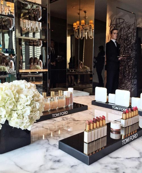 Tom Ford #Glamorous #makeup balcony. #Memoir View more: http://memoir.pt/