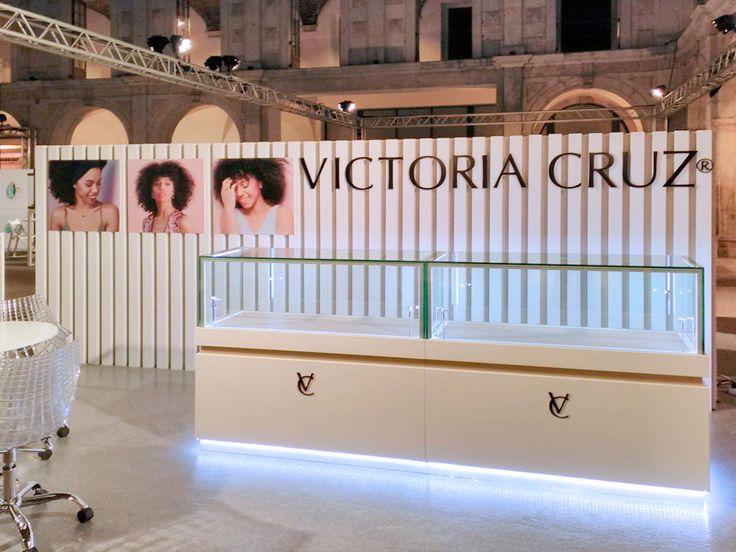 Fotos del stand de Novo Brilho - Victoria Cruz para la feria Iconic 2017 de Lisboa