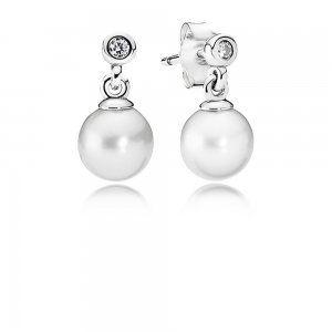 Kolczyki Perły, biała słodkowodna perła hodowlana, cyrkonia sze - Pandora PL  Promocja: 131.98zł  kup teraz: http://www.pandorabiżuteria.com/kolczyki-per%C5%82y.html