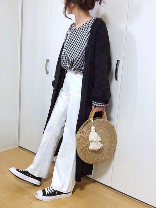 モノトーンにサークルカゴバッグ♡ ギンガムチェックシャツもロングカーディガンも ゆーったりサイズ*\