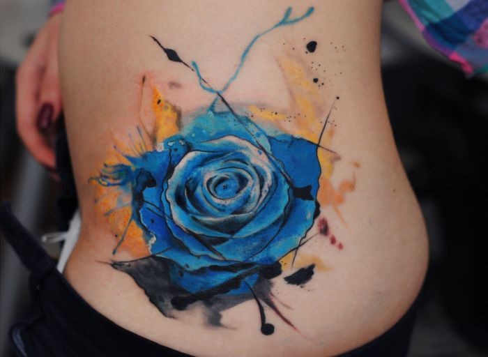 Tatuajes de Rosas femeninas: que color escoger