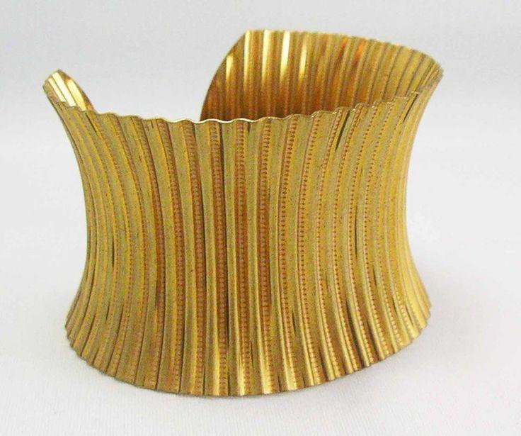 RUFFLED ANTIQUED GOLDEN Bangle Cuff Bracelet Vintage  ~MAGAZINE Piece~