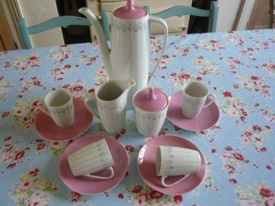 RETRO COFFEE SET~tea set~POLISH~cmielow~VINTAGE~PINK RUBY TUESDAYS VINTAGE HOME * * * Very pretty vintage coffee/tea set Very retro in its colours and design Comprises coffee/tea pot, milk and sugar