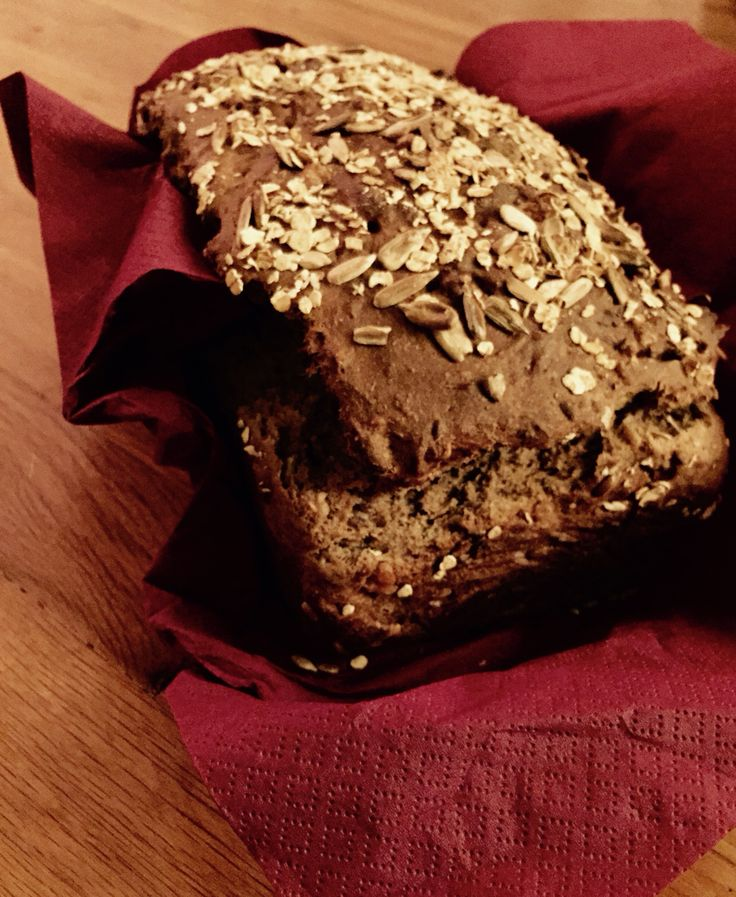 Whole grain Spelt with walnuts, sunflower and flaxseeds