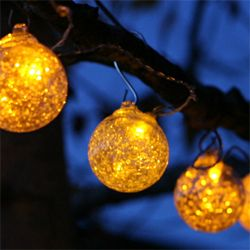 amber solar string lights...good resource for solar and battery operated lighting