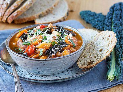Recept Toscaanse groentesoep met cavolo nero | Ekoplaza | De grootste biologische supermarktketen van Nederland