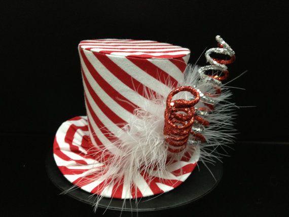 Rojo y blanco rayas Mad Hatter Mini sombrero de por daisyleedesign