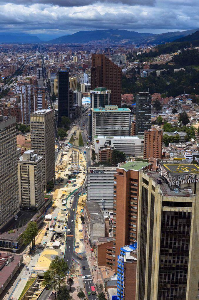 Bogotá es ciudad capitol de Colombia. Es tiene ses punto ocho mil pueblo.