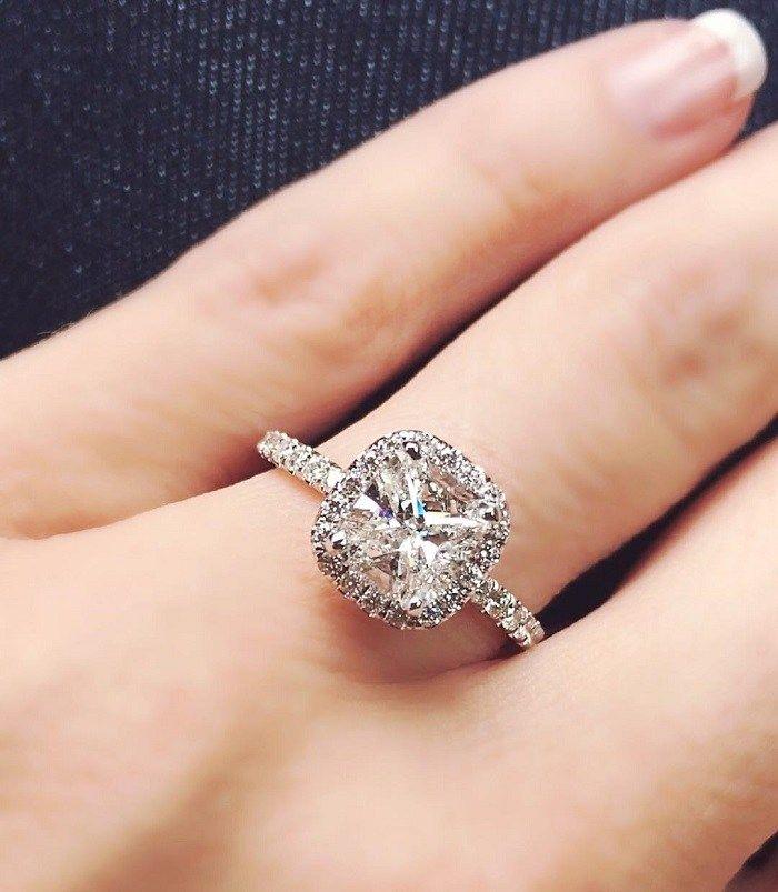 cushion halo engagement ring ,vintage halo setting,vintage halo engagement ring #cushioncuts #moissaniteengagementring #moissanitering #moissaniteloosestone #foreveronemoissanite #diamondalternative #diamondalternativerings