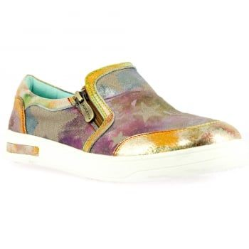 New in from quirky brand Laura Vita are these ladies Bueno shoes in golden print. Dare to be different in these bold handcrafted shoes made from natural leather which boast comfortable padding and a flexible sole. These brilliantly detailed shoes are sure to make you stand out this summer and they're perfect if you're looking for a dressy holiday look. http://www.marshallshoes.co.uk/womens-c2/laura-vita-womens-bueno-03-dore-slip-on-flat-shoes-p4718