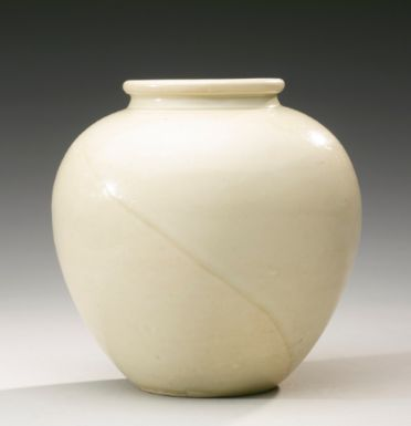 A 'XING' WHITE-GLAZED JAR TANG DYNASTY - Sotheby's