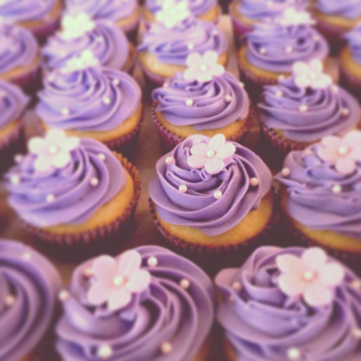 Simple Wedding Cupcake Ideas: Bridal Shower Cupcakes