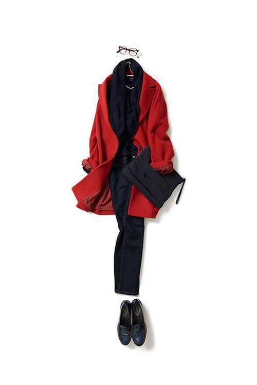レトロな赤いコートをネイビー配色で着る