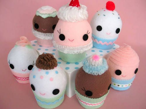 Cupcake Party!!! Make your own cupcake plushie! Tute and pattern included! - TOYS, DOLLS AND PLAYTHINGS