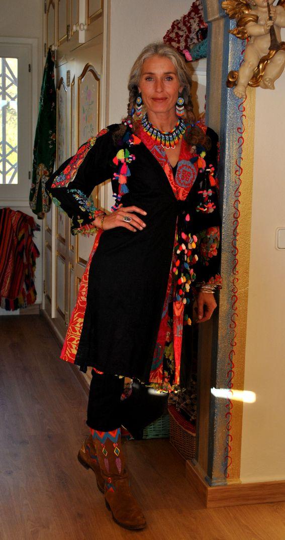 Gypsy living Traveling In Style| Serafini Amelia| Gypsy Traveler| Merel wardrobe World Family Ibiza