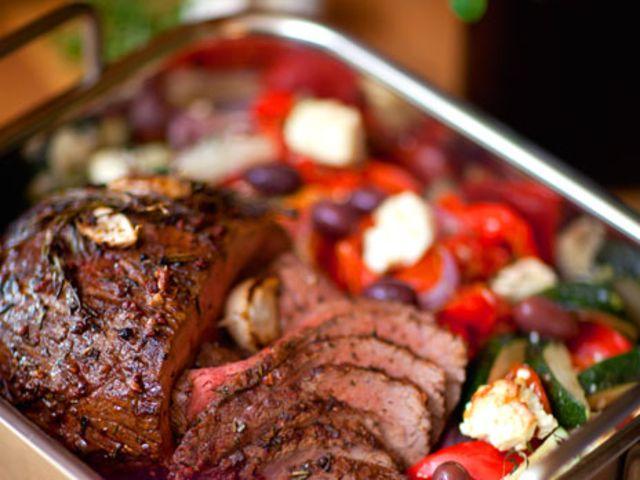 Helstekt rostbiff med fetagrönsaker (kock Sara Begner)