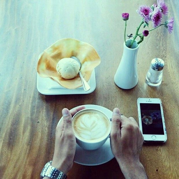 Happy Weekeend, Good People! Start with a cup of Coffee and a scoop of Vanilla Ice Cream will be perfect to enjoy this weekend. Do you have any plan for lunch or dinner ? Come & share with us.  Do a RSVP by call +62411 362-0800  Credit Photo @yunithanithaa  #on20makassar #restaurant #bar #coffee #icecream #weekend #enjoymakassar #exploremakassar #astonmakassarhotel #sky #skyline #mksfoodies #mksupdate #instamakassar | on20makassar.com