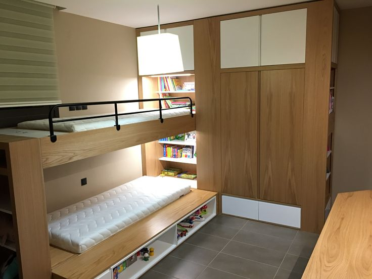 Παιδικο δωμάτιο σε δρύς φυσικό με λάκα λευκή Γ.ΚΟΜΝΗΝΟΣ -Γ.ΠΑΠΑΔΟΠΟΥΛΟΣ & ΣΙΑ Ο.Ε.