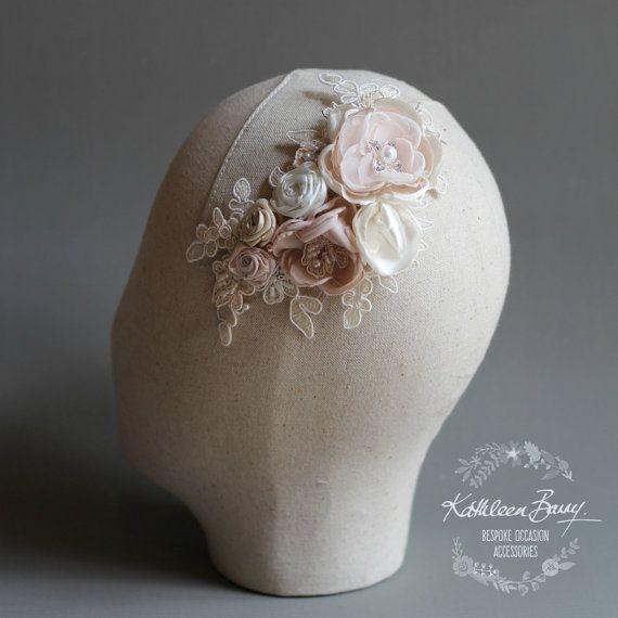 Pizzo floreale nuziale parrucchino velo di KathleenBarryJewelry