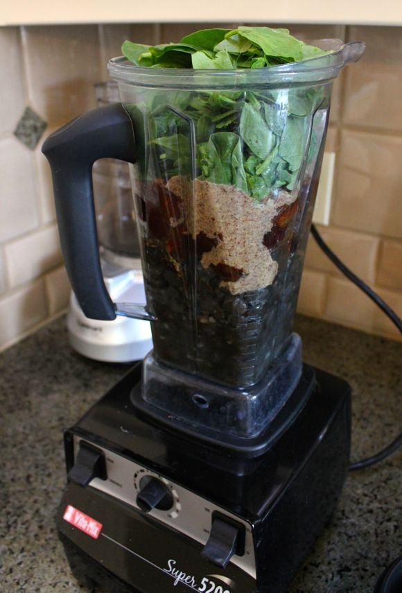 Spinach & Black bean Brownie in the Vitamix. Hmmmm interesting. Could be nasty but could be a pleasant surprise.
