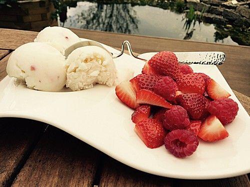 Low Carb Protein-Eis  Joghurt & Cherry