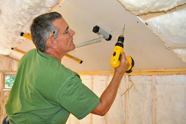 Repair damage and be ready to paint a drywall ceiling in just 8 easy steps.