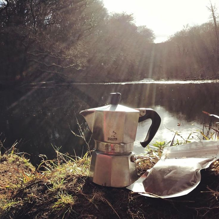 Great paddle yesterday on the Lower Dart. Cheeky break for a coffee... #dawnroasters #dartmoor #coffee #bialetti