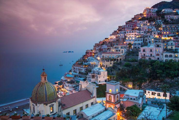 Amalfi-Küste: Die Südküste der Sorrentinischen Halbinsel ist von der Unesco zum Weltkulturerbe erklärt worden - und beliebt bei Italienern und ausländischen Touristen.