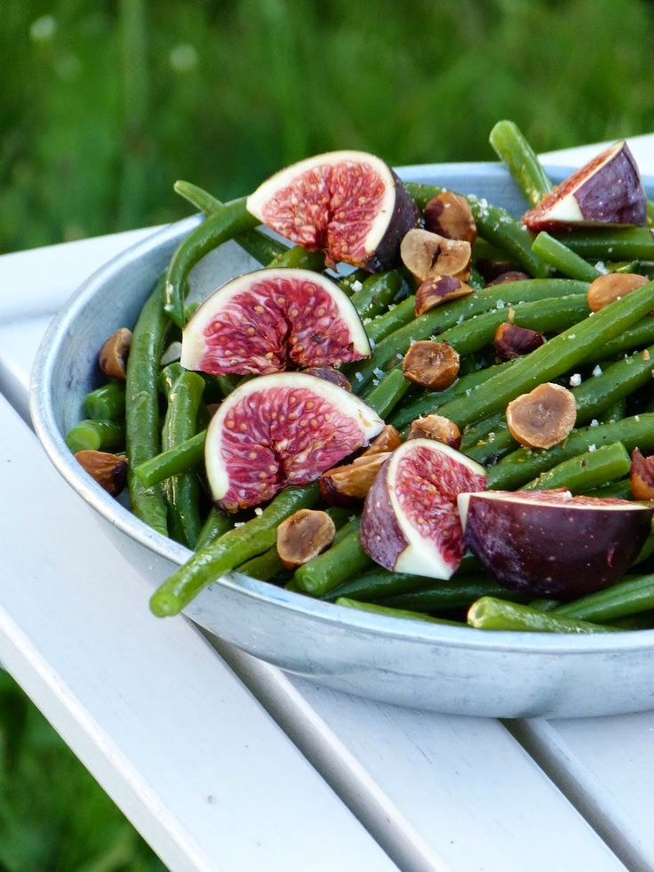 Salade de haricots verts, figues et noisettes