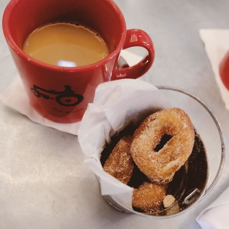Im super on board with #nationalcoffeeday  I think this is still one of my favorite cups of coffee with my favorite donuts ever. And also nothing like the thrill of stealing two counter seats from a couple disgustingly in love with my partner in snark @dbatch88.  #iwoulddoanythingfordonuts #butfirstcoffee #thenwine     #astudyinchic #flashesofdelight #thatsdarling #lcdotcomloves #stlbloggers #pursuepretty #photosinbetween #midwestbloggers #bloggerstyle #theeverygirl #pursuepretty…
