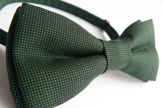 Dark green bow tie for men by Bartek Design. €18.50, via Etsy.