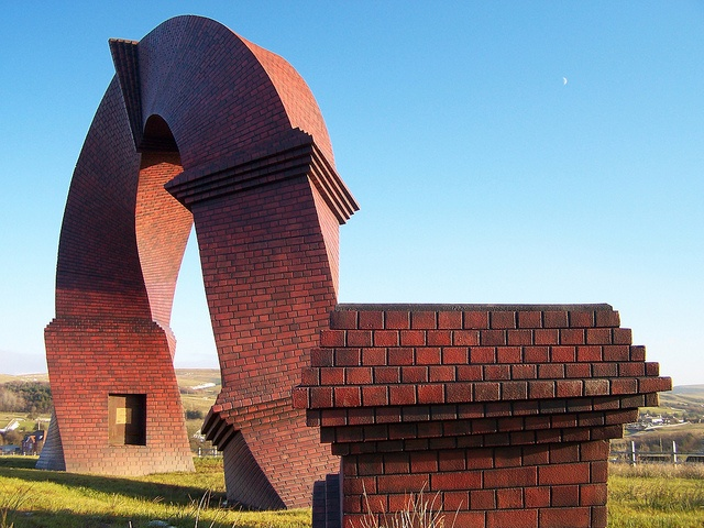 Twisted Chimney created by Brian Tolle Simnai Dirdro, Rhymney by Jeremai Smith, via Flickr