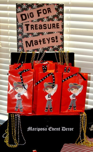 Favors at a Pirate party #pirate #partyfavors