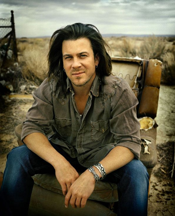 Christian Kane! Very nice!